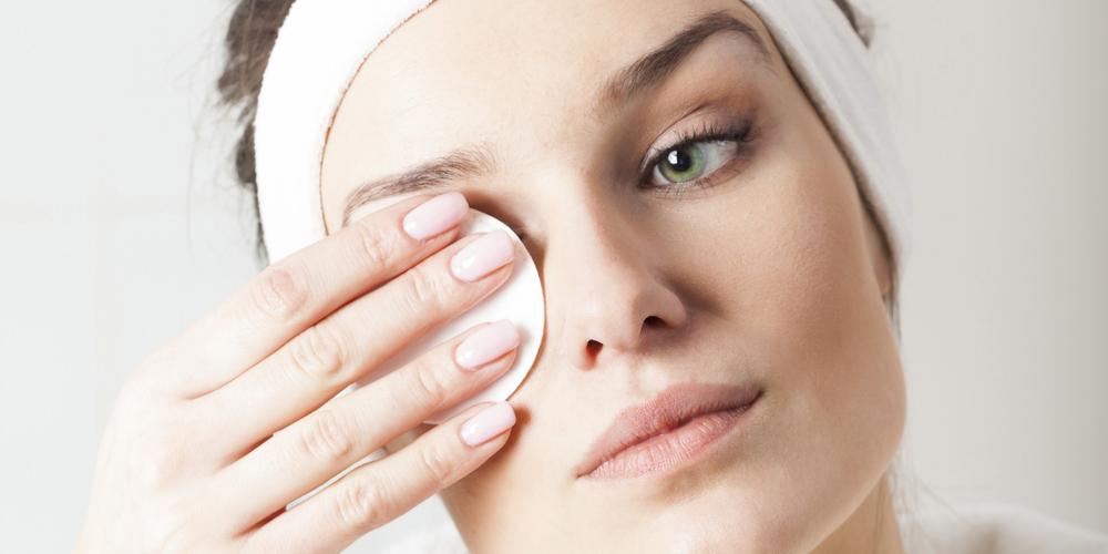 Как смывать лицо от косметики