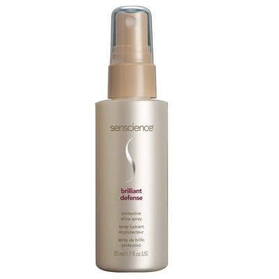 Brilliant Defense Защитный Спрей-БлескБлеск, разглаживание, объем<br>Защитный водостойкий спрей-блеск с uva uvb фильтрами Brilliant defense - многофункциональный спрей-блеск для защиты волос от пагубного воздействия ультрафиолетового излучения солнечных лучей и солярия  Специальный защитный комплекс предотвращает преждевременное выгорание цвета и обезвоживание волос по длине  Очень лёгкий водостойкий состав не утяжеляет волосы и не оставляет жирный налёт  Кондиционирующие добавки придают шёлковую текстуру и бриллиантовый блеск волосам  Контролирует статику  Незаменимое средство защиты волос всех типов от пагубного воздействия ультрафиолетового излучения солнечных лучей и солярия  Результат  Коктейль из влагоудерживающих  питательных  витаминных  антиоксидантных ингредиентов позволяет вернуть волосам природную эластичность  блеск и здоровый вид  Cостав  Комбинация UVA UVB фильтров  витамины А и E  экстракт семян подсолнечника  глицерин  экстракт жасмина  экстракт цветков лотоса  экстракт бамбука  гликолипиды  сукроза трегалоза  лецитин  гидрализованные протеины шёлка  гидрализованные растительные протеины  экстракт молочного чертополоха  экстракт семян сои<br>Type: 50 мл;
