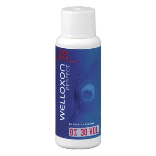 Welloxon Perfect Эмульсия 9Краски для волос<br>Wella Professional - Окислитель для краски для волос Welloxon Perfect 9   1000 мл   Благодаря более кремообразной и вязкой консистенции Welloxon Perfect гарантирует лучшую смешиваемость и более косметический вид красящей массы  Красящие пигменты проникают в волосы там  где это необходимо  обеспечивая эффективный  точный и равномерный процесс окрашивания  Крем-проявитель Welloxon Perfect представлен в трех вариантах  6   9  и 12  - для достижения различных степеней осветления и самого широкого применения<br>Type: 60 мл;