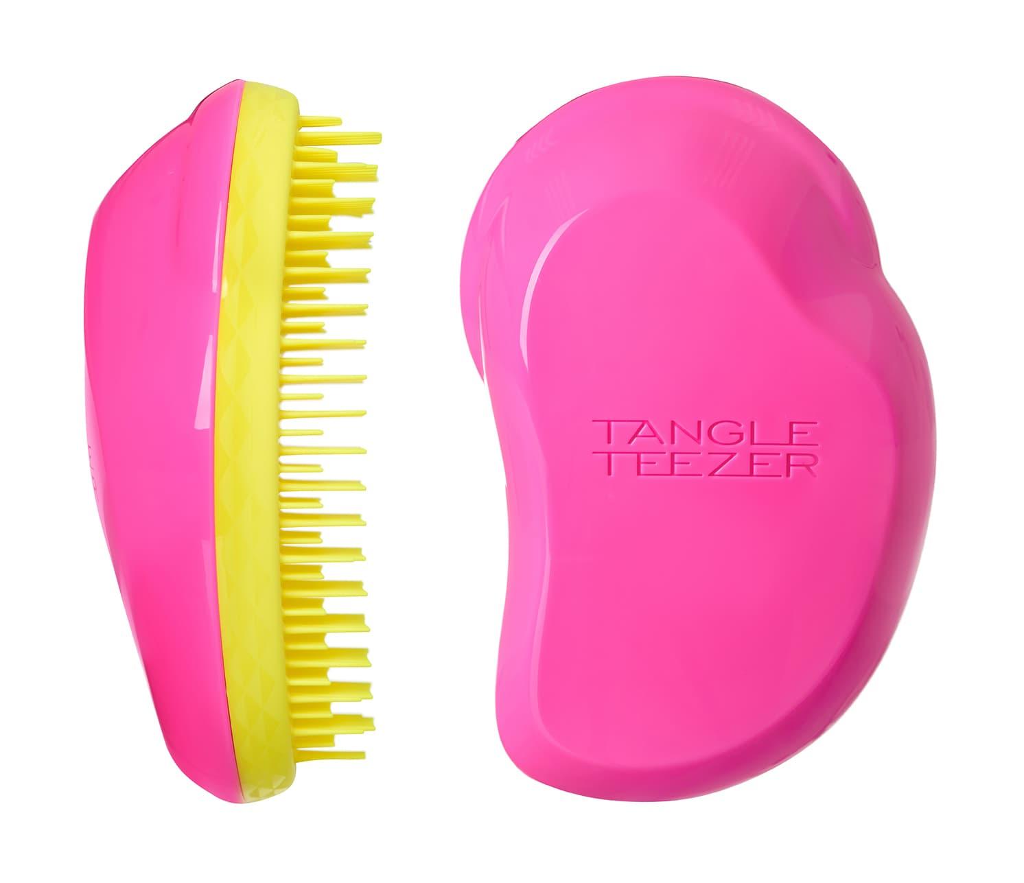 The Original Pink Rebel РасческаДля волос<br>Tangle Teezer The Original   оригинальная профессиональная расческа для расчесывания волос  которая позволит Вам с легкостью всего за одну минуту без рывков и напряжения расчесать мокрые  уязвимые или окрашенные волосы не нарушая структуру волос и не причиняя себе дискомфорта  Фантастическое  безболезненное распутывание достигается за счет особой конструкции зубчиков  Расчесывая волосы оригинальной расческой Вы получаете блаженный  расслабляющий массаж головы  Расческа идеальна при нанесении кондиционера на ваши волосы  обеспечивает легкое и равномерное распределение средства на волосы  фиксирует Ваши пряди при дальнейшей сушке феном  При расчесывании Tangle Teezer Ваши волосы получат дополнительный объем за счет максимального подъема волос у корней  Незаменима для ведущих активный образ жизни    Размер  12 times 7 times 4 5см<br>